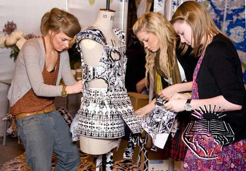 Курсы кроя и шитья. Моделирование и пошив одежды по каталогам Севастополе. Обучим и трудоустроим. Звоните