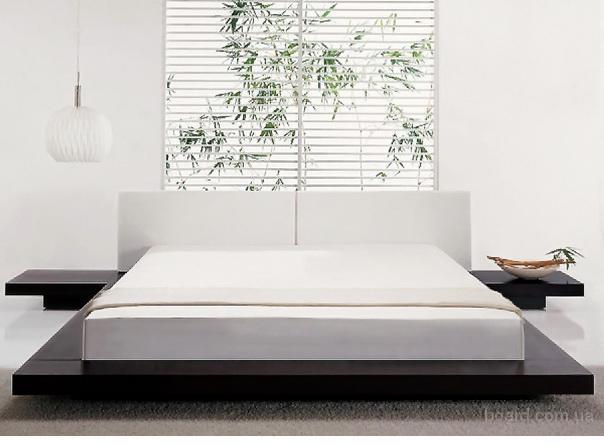 Кровать из дерева в восточном стиле