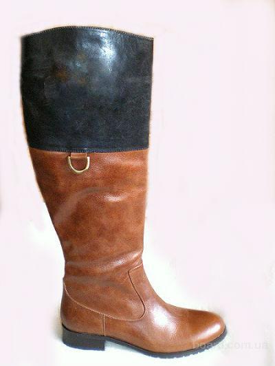 Элегантные коричневые сапоги женские кожаные на низком каблуке. Приятные цены.