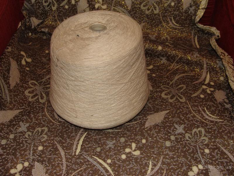 Пряжа шерсть для ручного и машинного вязания. три цвета светло серый, темно серый, бежевый -топленое молоко. складское хранение производство ссср .все