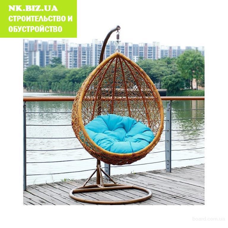 Прочное красивейшее плетеное кресло кокон.