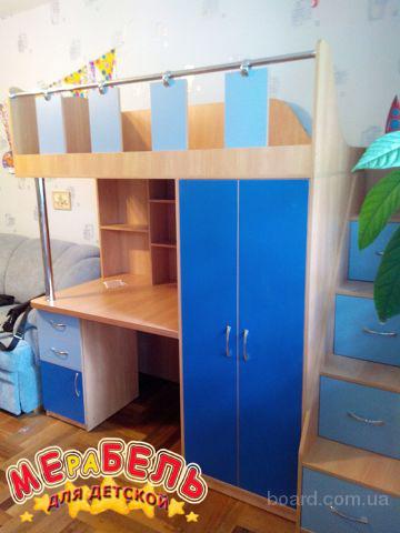 Кровать-чердак с рабочей зоной, шкафом и лестницей-комодом (кл1) Merabel