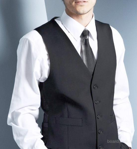 Всегда в наличии огромный выбор мужских рубашек и женских деловых блуз.