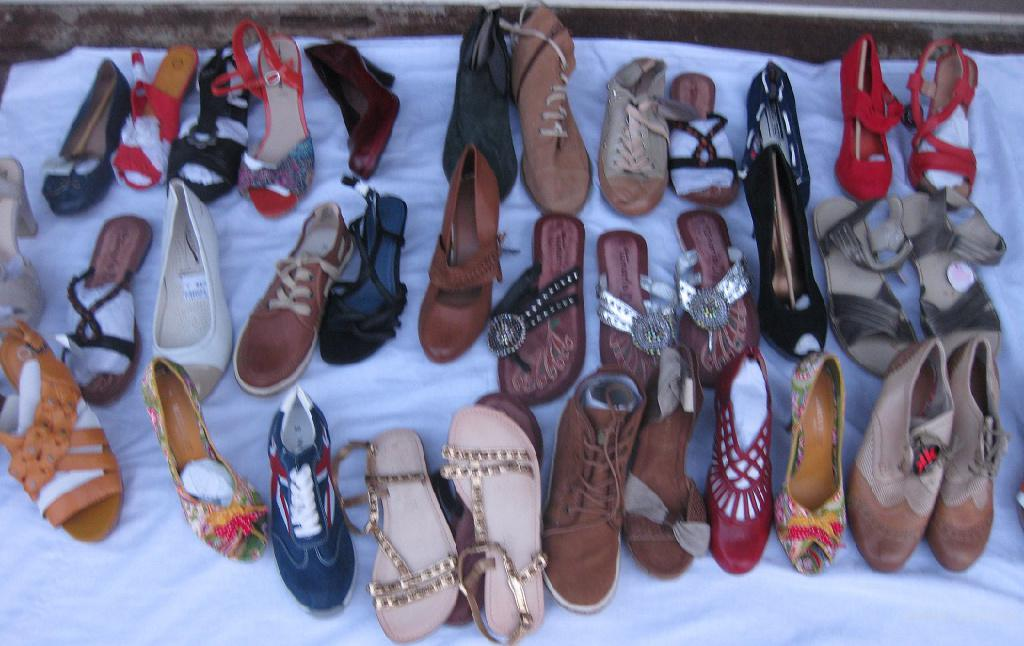 Женская обувь на вес. 17.5 евро/кг. Лоты - 15-17 кг.