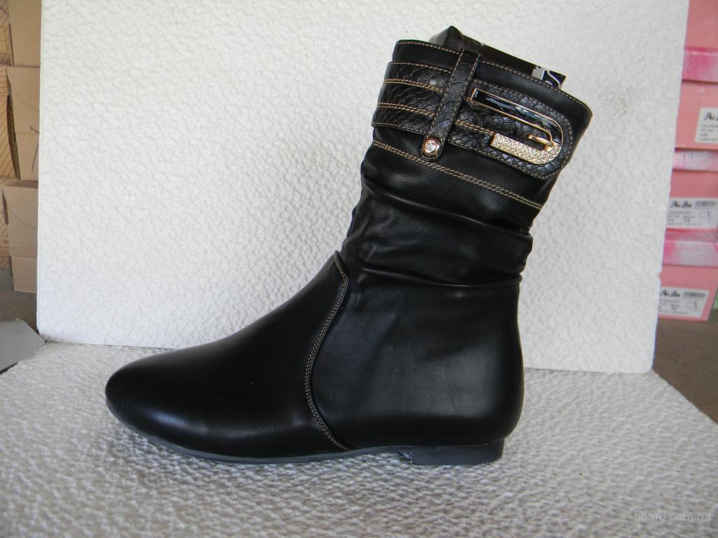 Where Are Miraton Shoes Made