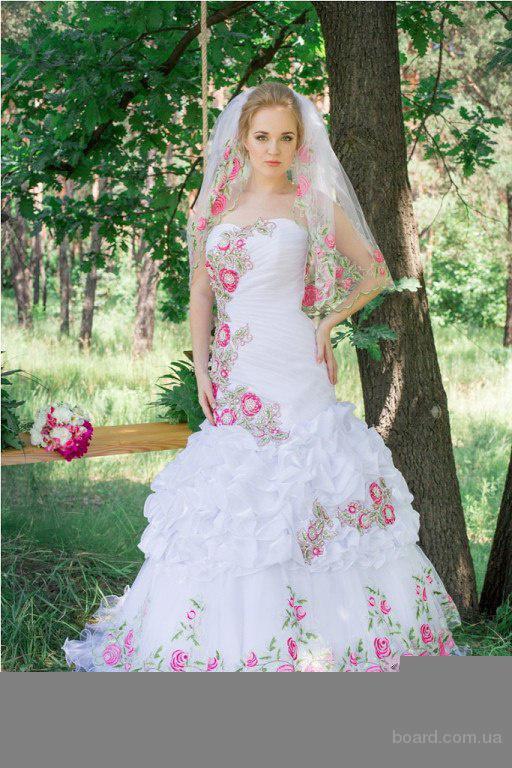 Свадебные платья в Украинском  стиле напрокат.