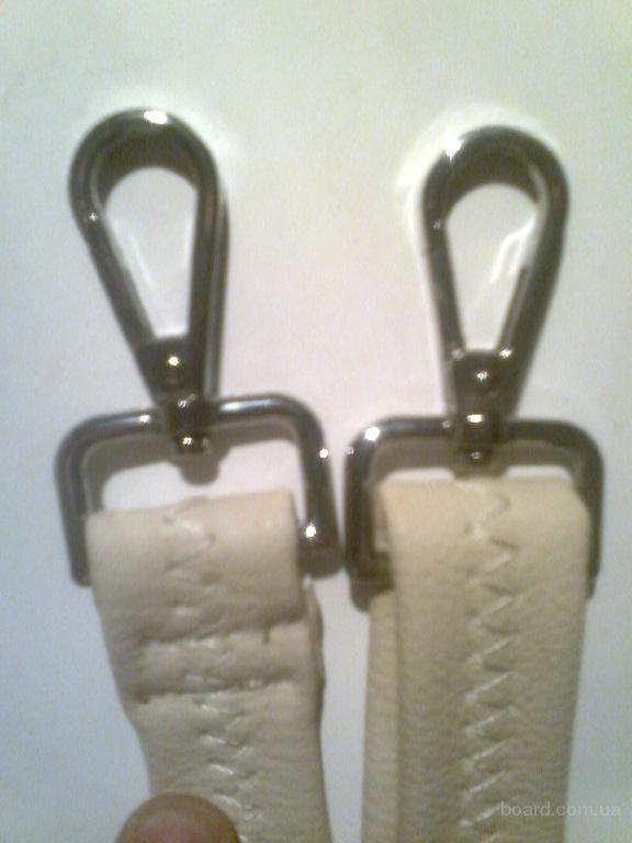 Ручки  регулируемые  с карабинами для кожаных, дорожно-спортивных сумок ( на плечо) чорного,коричневого и др. цветов Цена на 31.12.2016 32 грн за шт