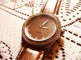 Часы женские Quartz со стразами