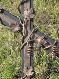 кресты и оградки кованые