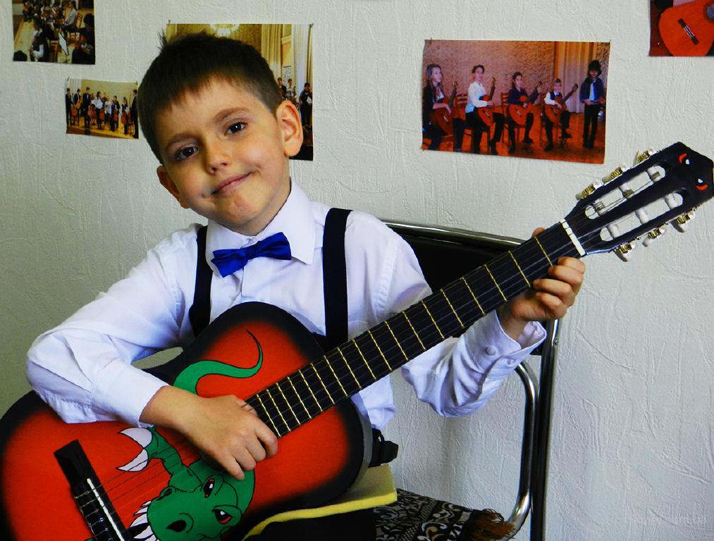 """Набор на обучение игре на гитаре в 2016 году. Гитарный Центр """"Ardor Fuerte"""". Киев."""