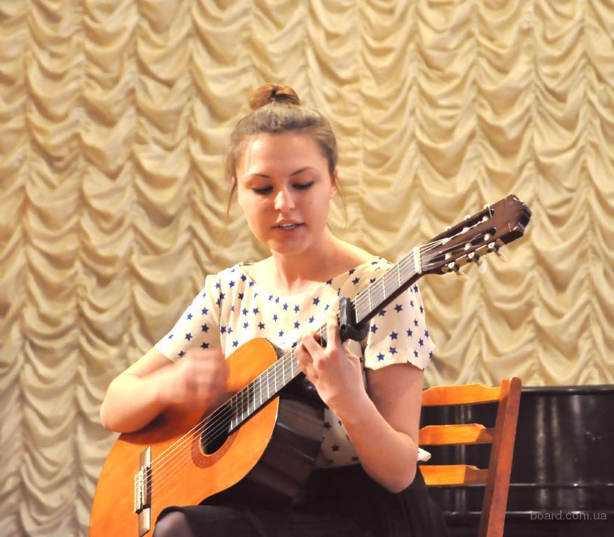 Уроки игры на гитаре для взрослых. Соло. Аккомпанемент. Киев. Центр.