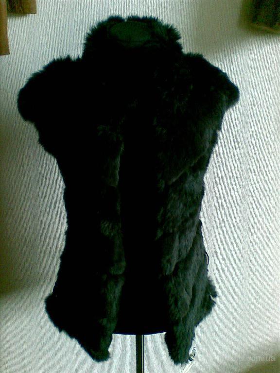 Продам жилет модель «универсал» из натурального меха кролика.