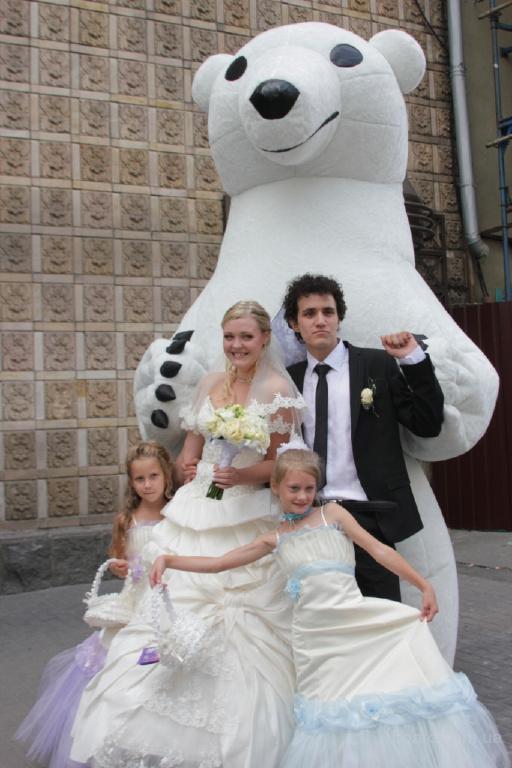 Ростовая кукла гигант Белый Мишка