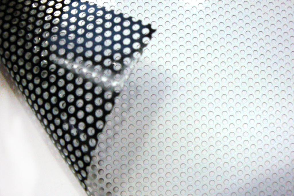 Широкоформатная печать на перфорированной плёнке Бровары. Пленка перфорированная Бровары.