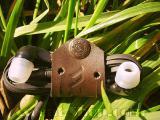 Кліпса для навушників «Flip», виготовлено в Україні з натуральної шкіри