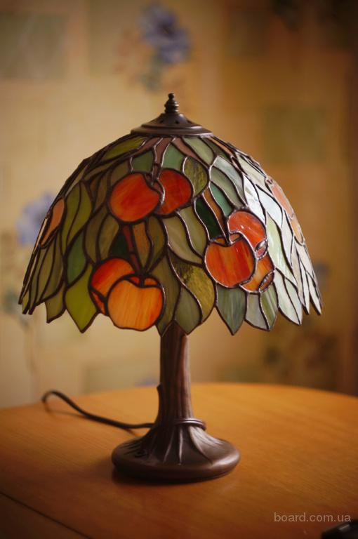 "Лампа в технике тиффани""Яблонька"""