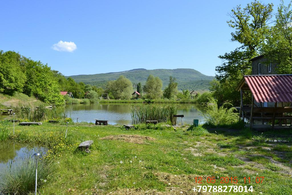 Сдам посуточно жилье  в горном Крыму. На берегу горного озера