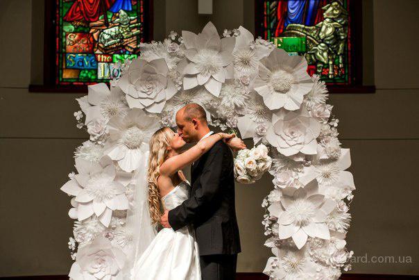 Тренд лета  ширма на свадьбу с бумажными цветами Изготовление арки с бумажными цветами. Ширма с цветами из бумаги Киев