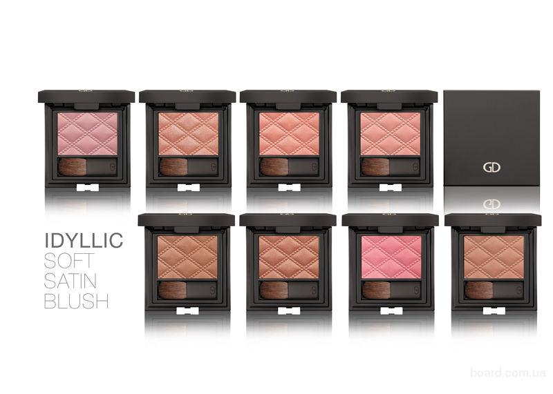 Румяна Idyllic Soft Satin Blush Cheek Blusher с зеркалом  GA-DE