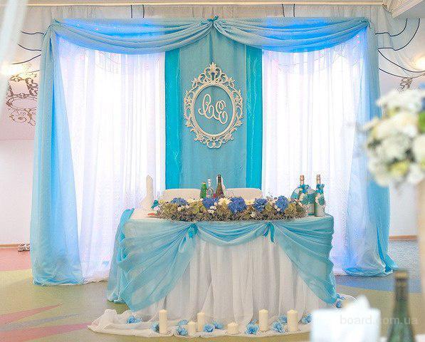 Украсим свадебный стол стильно  и недорого Киев Прокат ширмы на свадьбу: с цветами из бумаги, с тканью, с подсветкой, с живыми цветами