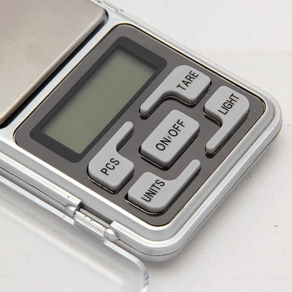 Купите весы точностью 0,01g  max-200g  Представляю вашому вниманию весы точностью 0,01г. С помощью этих весов вы сможете узнать точный вес каких-либо