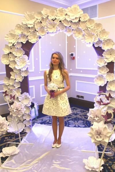 Прокат арки с бумажными цветами – хит лета 2015 г. Киев и область Прокат свадебной арки: из лозы, с бумажными цветами, искусственные и живые цветы