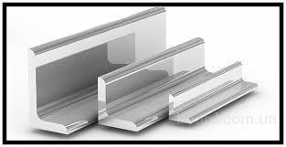 уголок стальной  ГОСТ 8509-93; 380-05; 535-05 3пс25х 3