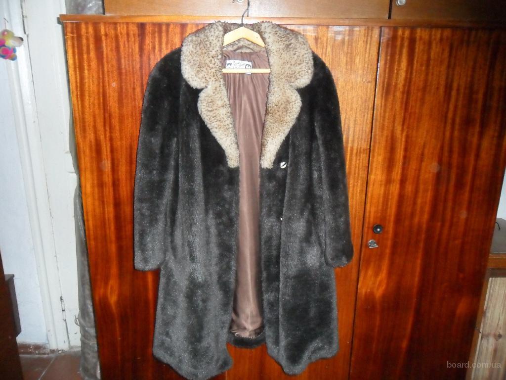 Шуба новая,тёплая с цигейковым воротником,Чехословакия,размер 50-54.