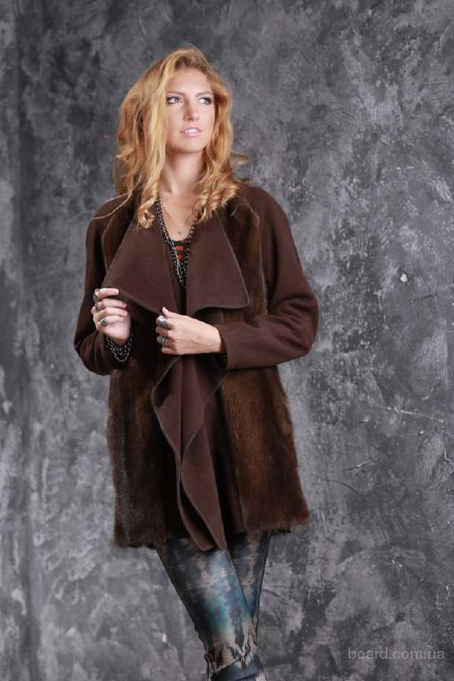 Пальто из кашемира и меха датской норки