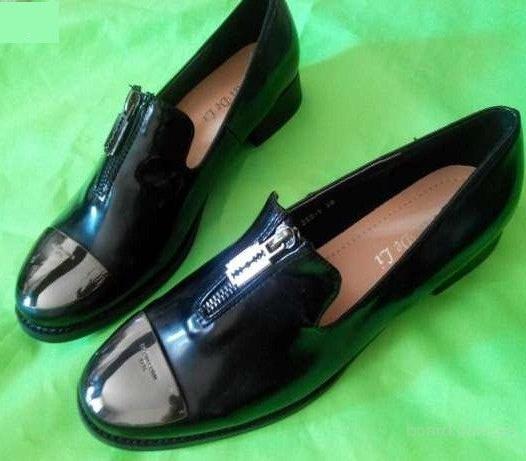 Лоферы. Гламурные женские туфли