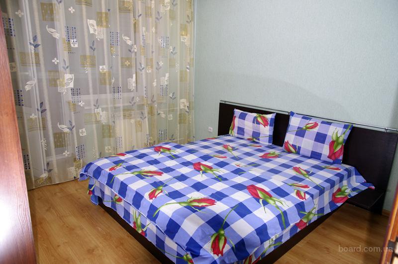 Посуточно 2-х комнатная, ул. Хмельницкая 10, метро Святошин