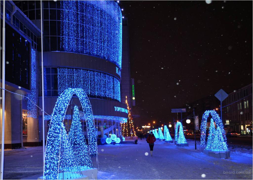 Новогодняя иллюминация,световое оформление здания,монтаж гирлянд