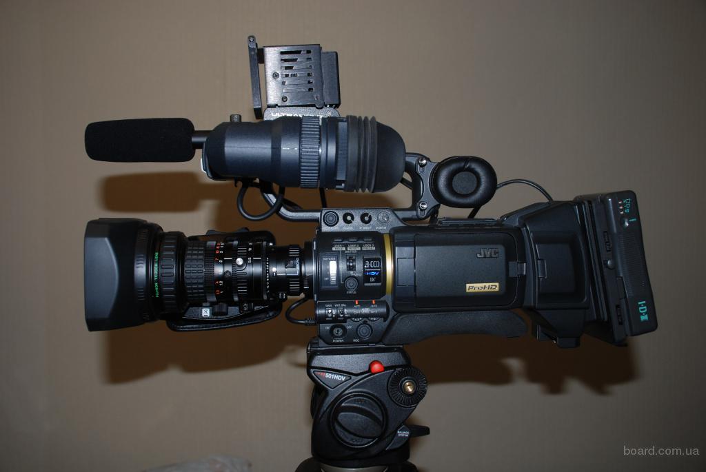 Новая в упаковке профессиональная видеокамера hdv jvc gy-hd200