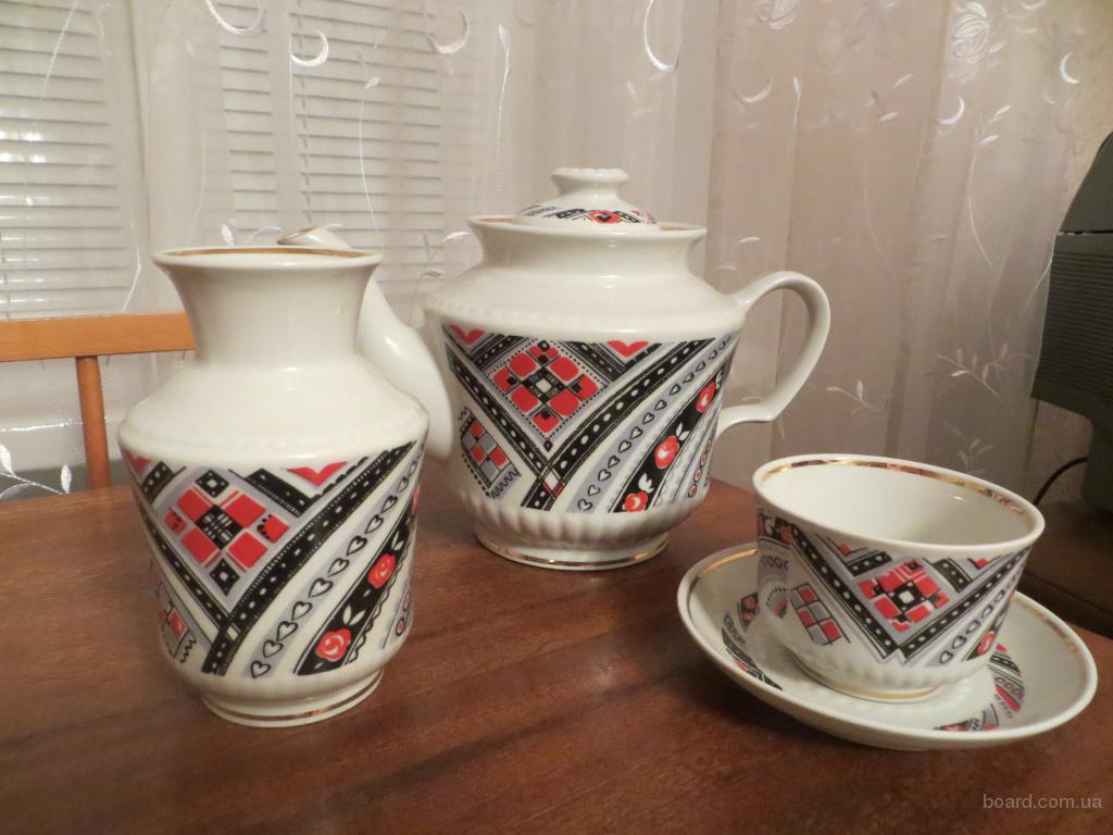 Сервыз чайн.12 персон,червоно-чорний орнамент