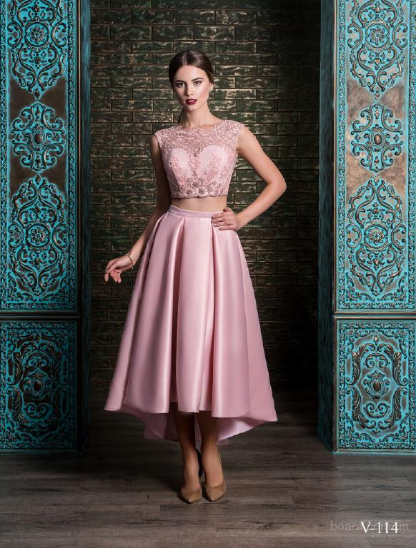 Фиолетовое вечернее платье-рыбка