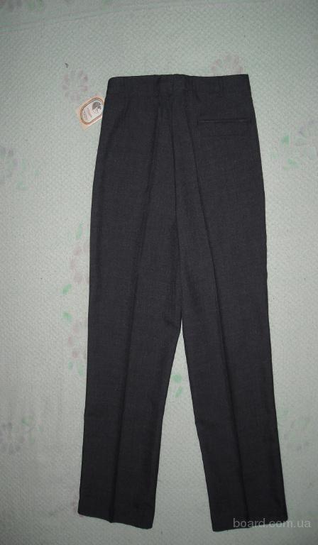 мужские брюки темносерые 48 размер производства Румыния