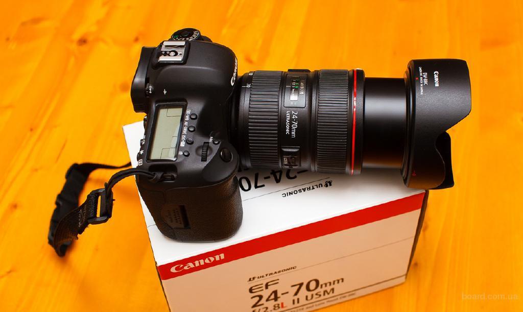 Canon EOS 5D Mark III 21.1 MP Digital SLR Camera