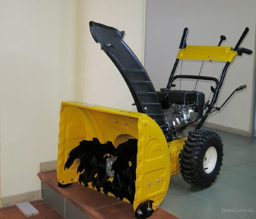 Снегоуборщик бензиновый, ширина захвата 61см, мощность 7л.с.