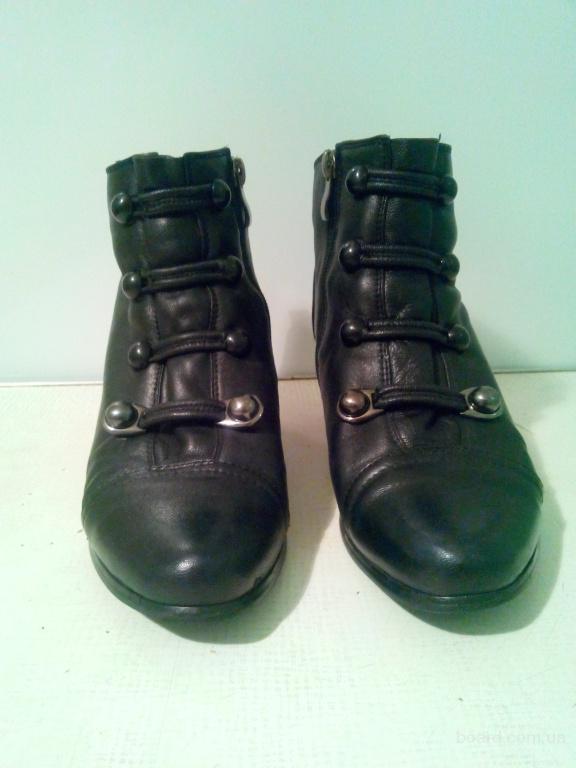 ботинки кожаные черные на каблучке
