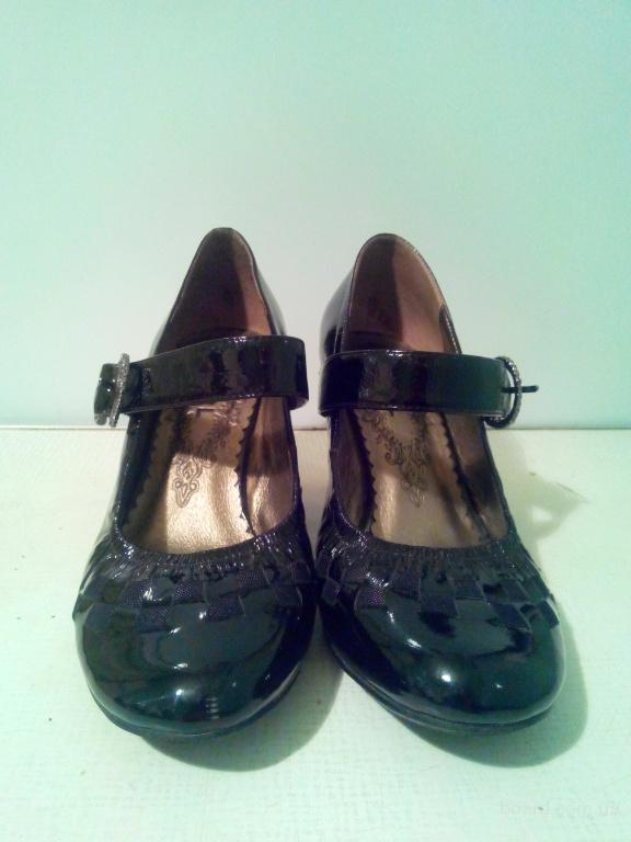 туфли кожаные лаковые черные на каблучке