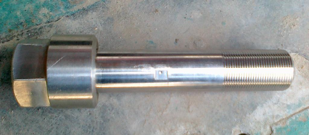 Шпильки М36х2х220 и М42х2х275 из нержавеющей стали ХН35ВТ, гайки М36х2 и М42х2 из нержавеющей стали 12Х18Н10Т