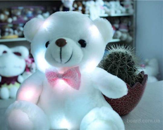 Плюшевый светящийся мишка- отличный подарок на день Валентина.