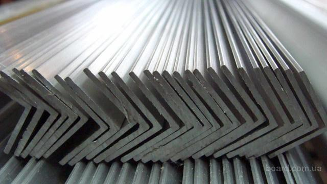 Алюминиевый уголок разносторонний 80x40x10