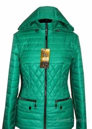 Модные плащи и куртки от производителя.