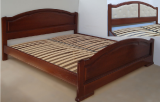 Надежная кровать с изножьем Ирина из массива дерева