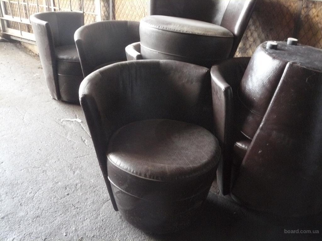 Продам коричневые мягкие кресла бу для кафе