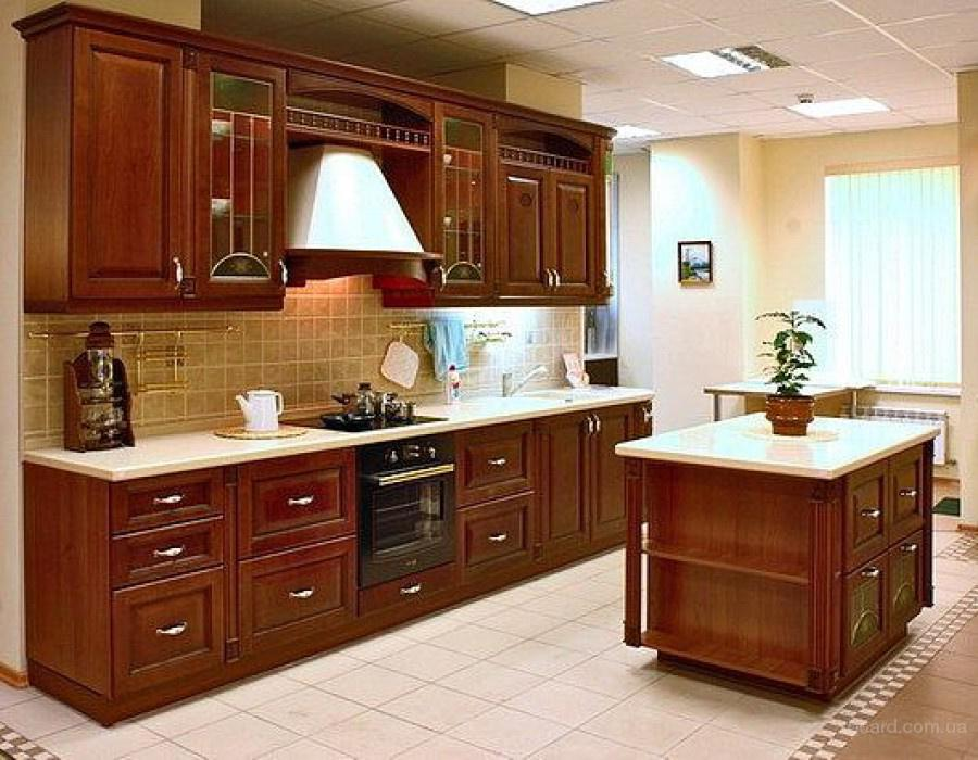 Классические кухни от фабрики кухни Schwartz House