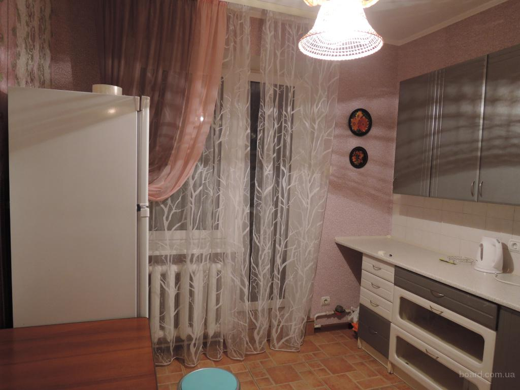 Просторная 3 комнатная 2-х уровневая в  кирпичном доме, ул.Уборевича 19а