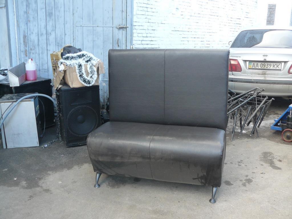 Продам черные диваны из кожзама бу