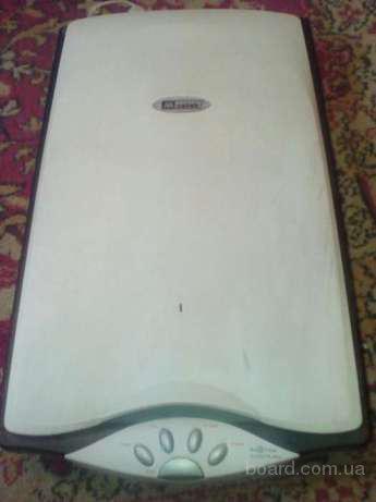 Сканер Mustek 2400TA Plus